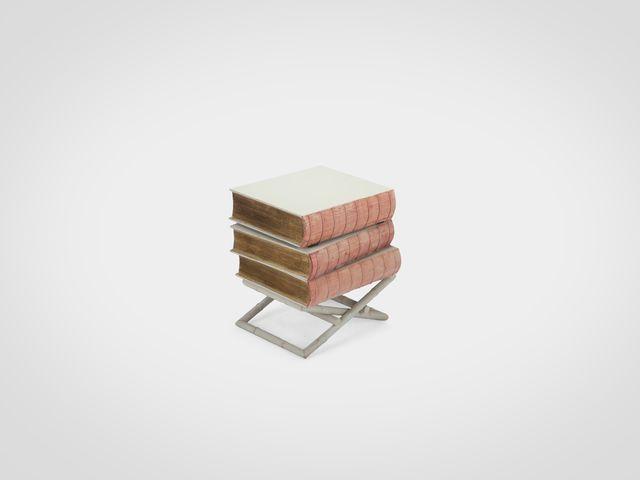 Столик-сундук Книги  маленький дизайнерский в стиле арт-деко