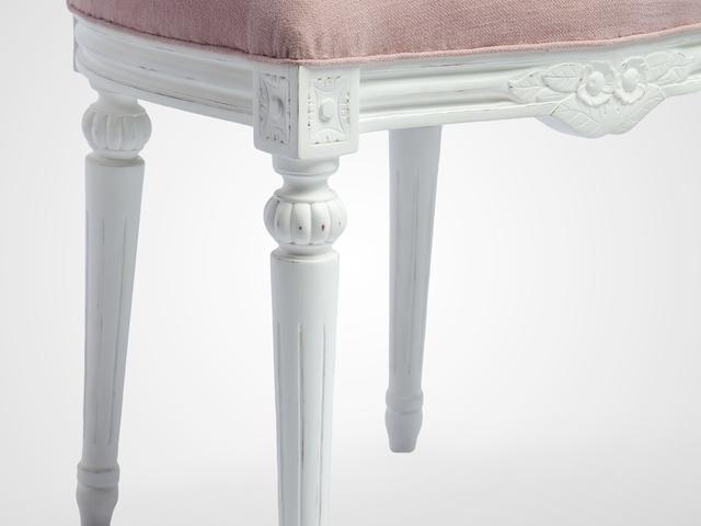 Стул ЭЛЛИ с обивкой лен на резных ножках