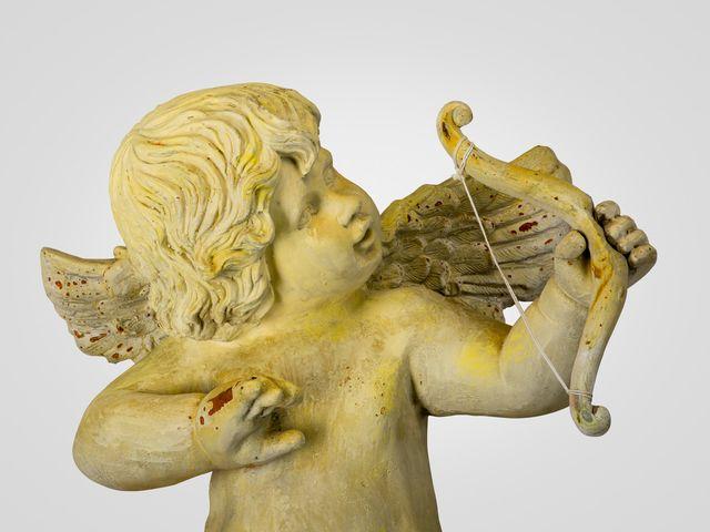 Ангел с луком статуэтка напольная, в желтом цвете со старением