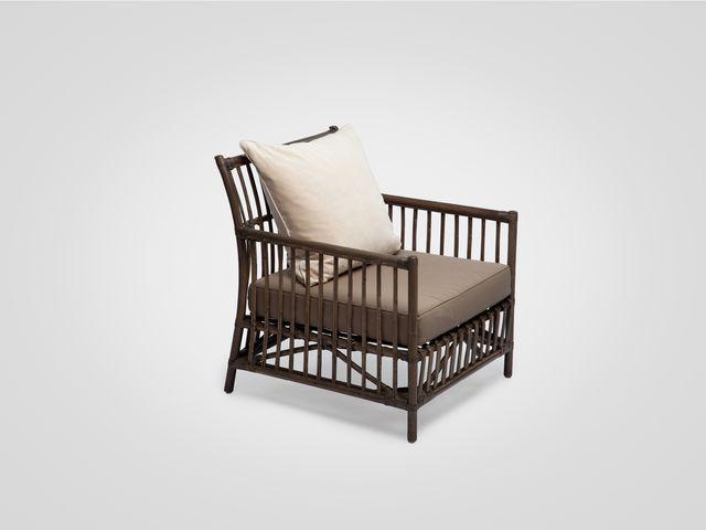 Кресло (ротанг) коричневого цвета в стиле лофт