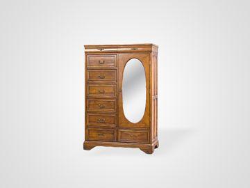 Шкаф для одежды в классическом стиле коричневого цвета с зеркалом