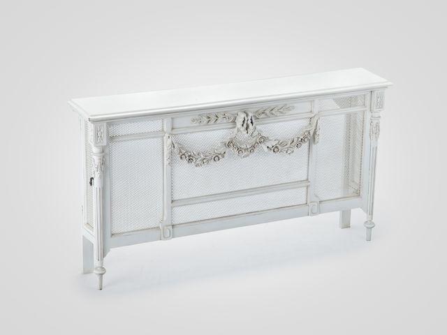 Радиатор-заслонка декоративная в классическом стиле с декором и патиной