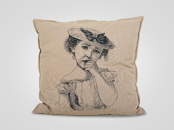 Подушка «Девочка»