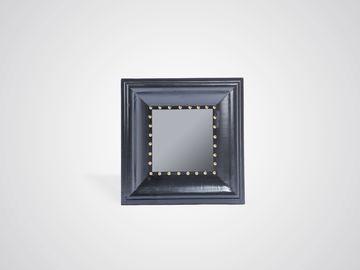 Зеркало квадратное с декоративными гвоздиками в американском стиле