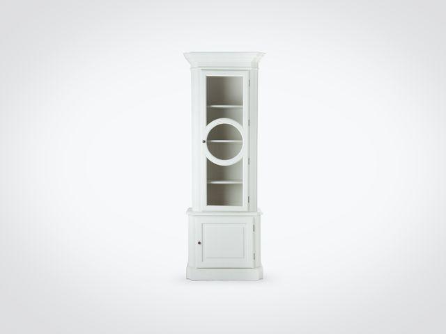 Витрина со стеклом в скандинавском стиле белого цвета