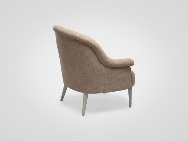 Кресло «Орландо» в бежевой обивке , ножки светло-серые из дерева махагони