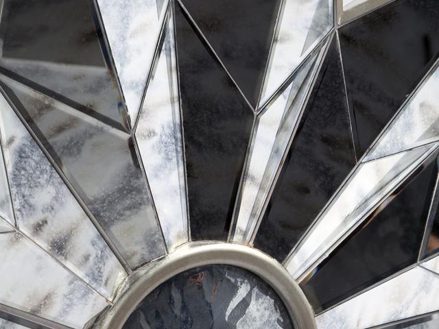 Зеркальный декор из стекла в стиле арт-деко