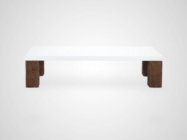 Стол кофейный в белом цвете на ножках из шпалового дерева в стиде арт-деко