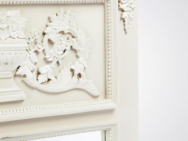 Зеркало «Флер» из дерева натурального с резьбой ручной работы в стиле прованс